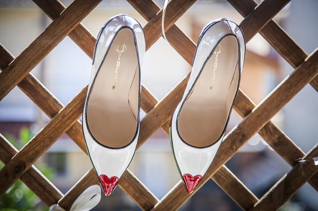 לרכוש נעליים
